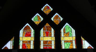 Vitrail représentant l'Esprit Saint. Église Saint Bruno à Issy-les-Moulineaux.