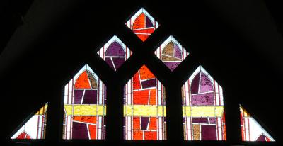Vitrail représentant le Fils. Église Saint Bruno à Issy-les-Moulineaux.