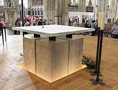 Maître autel de la Cathédrale d'Amiens - Artiste : François-Xavier Legenne, architecte à Amiens