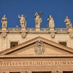 Façade de la Basilique Saint Pierre à Rome