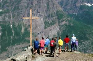 Bessans (Savoie) : Pèlerinage à Notre-Dame de Tierce : Messe en plein air à 2973 m. d'altitude.