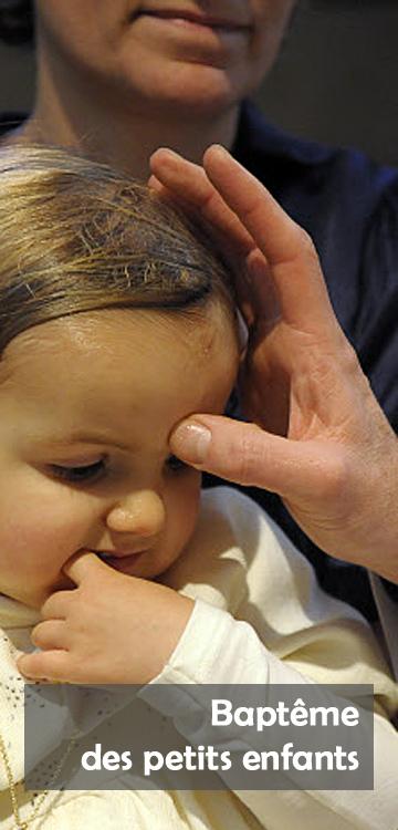 21 novembre 2010: Chrismation lors du baptême de Pénélope, 2 ans, par le P. Daniel BRUNO égl. Notre Dame de l'Assomption, Chantilly (60), France.  November 21st, 2010: baptism of Pénélope, 2 years old, in Our Lady of the Assumption's churc., Chantilly (60), France.