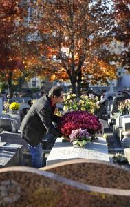 cimetière pose de bouquet