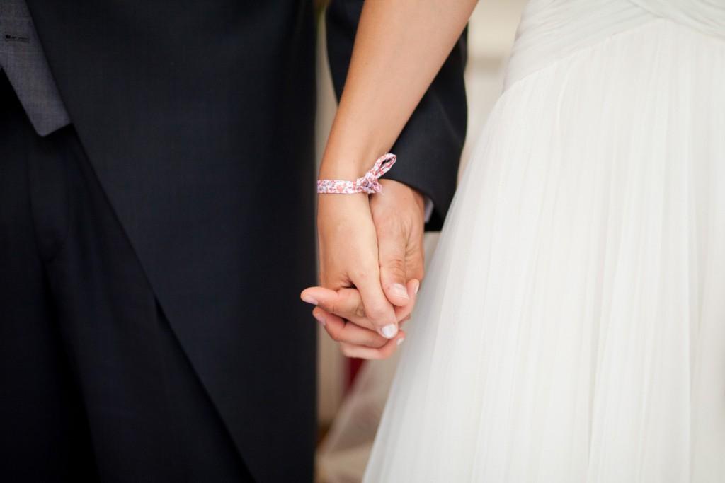 main dans la main mariage