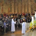 11 Octobre 2014 : Lecture de l'Evangile lors de la messe d'ordination de quatre diacres permanents. Cath. Sainte Geneviève, Nanterre (92), France.
