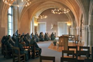 Office au Monastère de bénédictines à saint-Thierry (51)