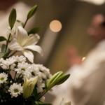 """« Chaque mariage est une """"histoire de salut"""" et cela suppose qu'on part d'une fragilité qui, grâce au don de Dieu et à une réponse créative et généreuse, fait progressivement place à une réalité plus solide et plus belle » (Amoris Laetitia n. 221)."""