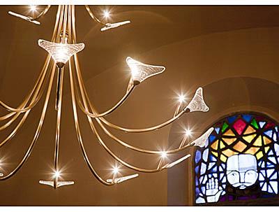 Luminaire de l'église Saint Hippolyte, à Thonon-les-Bains.