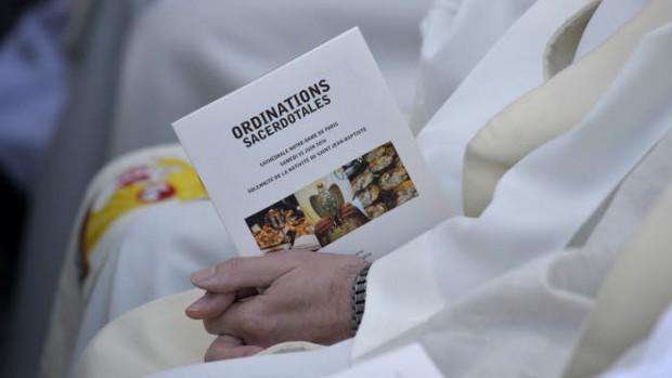 25 juin 2016 : Ordinations sacerdotales en la cathédrale Notre Dame de Paris (75), France.