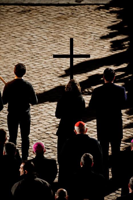 25 mars 2016 : Vendredi saint. Chemin de Croix au Colisée à Rome, Italie. March 25, 2016: Way of the Cross. Good Friday, Rome, Italy.