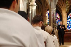 3 avril 2005 : Dimanche in albis - rencontre des néophytes avec Mgr André Vingt-Trois à l'église St-Séverin, Paris.