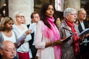 3 juin 2017 : Assemblée lors de la confirmation d'adultes du diocèse de Pontoise en la cathédrale Saint-Maclou. Pontoise (95), France.