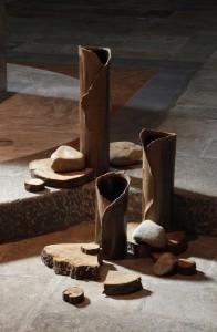 « La terre » avec le bois qui rappelle que l'Alliance s'accomplit lors de l'Evénement Pascal.