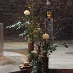 Composition florale réalisée par le frère Didier pour une célébration à l'Abbaye de Tamié