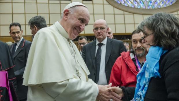 11 nov. 2016 : Fratello à Rome. Pèlerinage de personnes en situation de précarité, à l'occasion du Jubilé de la Miséricorde. Le pape François rencontre les pèlerins lors de la catéchèse dans la salle Paul VI au Vatican, Rome, Italie.