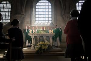7 juillet 2013 : Prière eucharistique lors de la messe, en la basilique de Vezelay (69), France.