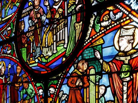 Scènes de la vie de Saint Rémi, Vitrail, Basilique Saint Rémi, Reims, Marne (51), Champagne Ardenne, France.
