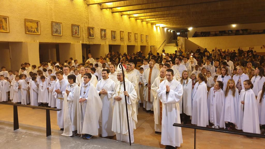 Rassemblement des servants d'autel du diocèse d'Ars au mois de mai 2019.