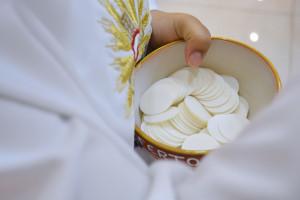 Célébration de première eucharistie.
