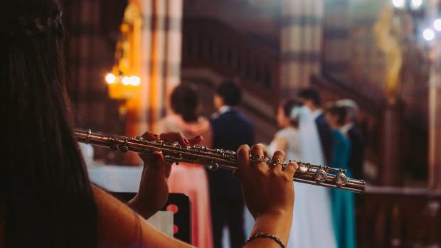 Musique et chant d'action de grâce après l'échange des consentements.