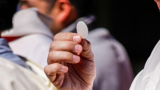 « La « communion spirituelle » désigne l'union au Christ qui se réalise par le désir de la réception du sacrement, un désir qui, par nature, est donc assorti de l'attente de la communion sacramentelle ».