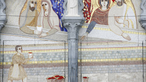 "2008: ""Les noces de Cana"" (Mystères Lumineux), Mosaïques de Marko Ivan RUPNIK (2007), facade de la bas. Notre Dame du Rosaire, Lourdes (65), France."