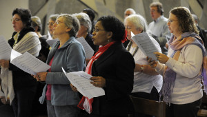 9 octobre 2011: Choeur diocesain de Créteil, lors d'une messe en la cath. Notre Dame de Créteil (94), France.