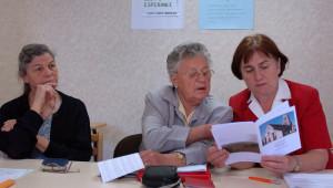 """20 juin 2006: Equipe """"espérance"""",  laïcs chargés d'accompagner les familles en deuil lors des obsèques de leurs proches, pastorale sacramentelle, Sucy en Brie (94), France."""