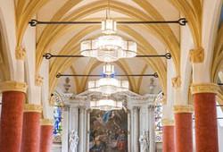 Luminaires de Notre dame de l'Assomption, à Stains. Créations d'Eric Pierre et Natacha Mondon.