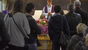 6 Octobre 2015 : Messe de funérailles célébrée par P. Thomas de BOISGELIN. Egl. Notre-Dame des Vertus. Aubervilliers (93), France.  October 6th, 2015: Funeral mass. Notre-Dame des Vertus ch. Aubervilliers, France.