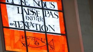 Vitrail de la Basilique du Sacré-Coeur à Grenoble, réalisé par Arcabas.