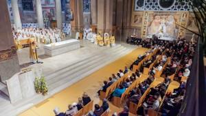 Messe Chrismale dans le diocèse de Nanterre, 2016