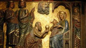Notre-Dame de Paris. l'Adoration des Rois mages, boiserie sculptée du XIVème siècle. (déambulatoire nord)