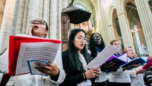 23 septembre 2018 : Envoi 2018 du diocèse de Meaux. Chorale dans la cath. St Etienne à Meaux (77), France.