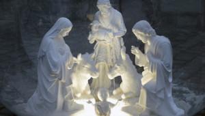 9 janvier 2018 : Crèche de Noël. Parvis de l'église Saint Pierre de Montmartre, Paris (75), France.